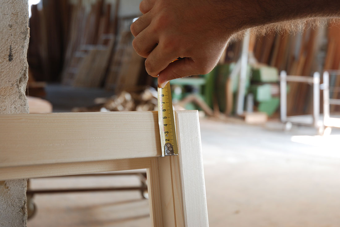 Produzione e recupero di serramenti infissi finestre e porte - Porte e finestre ostia ...