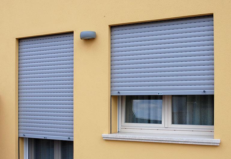 Aluminium rolling shutters